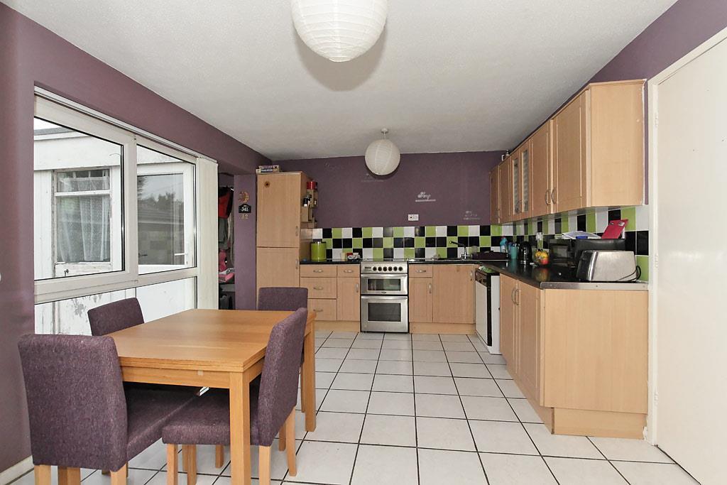 Mon-Kitchen_1.jpg
