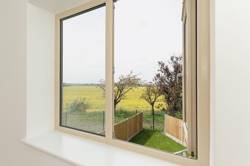 Plot-6-Window-View.j