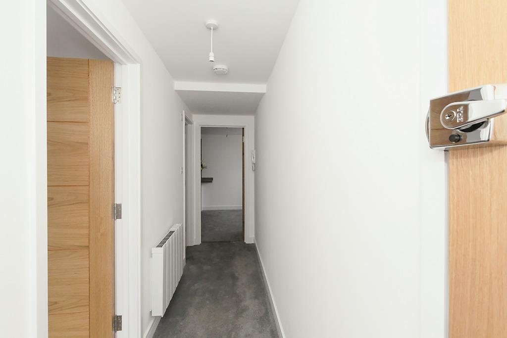 Flat-One-Hall_2.jpg