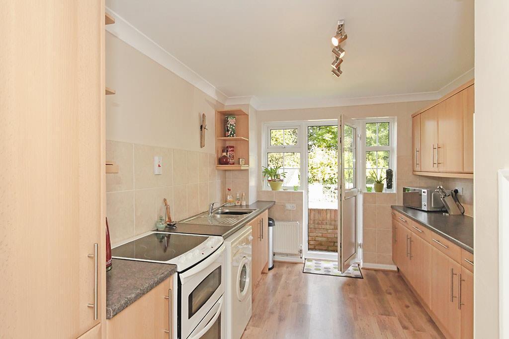 Den-Kitchen_1.jpg