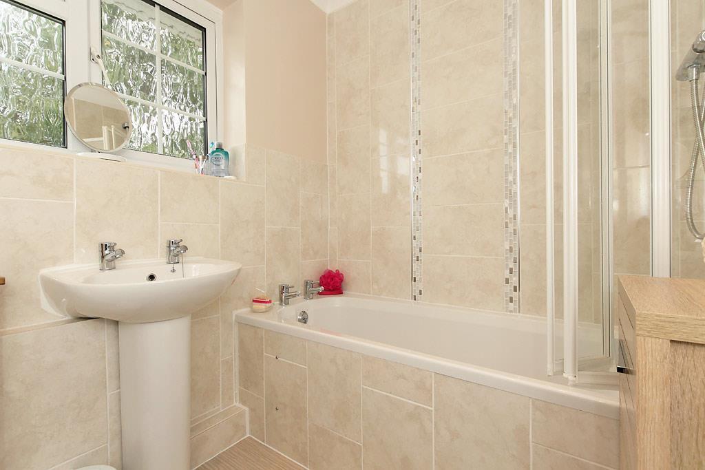 Den-Bath.jpg