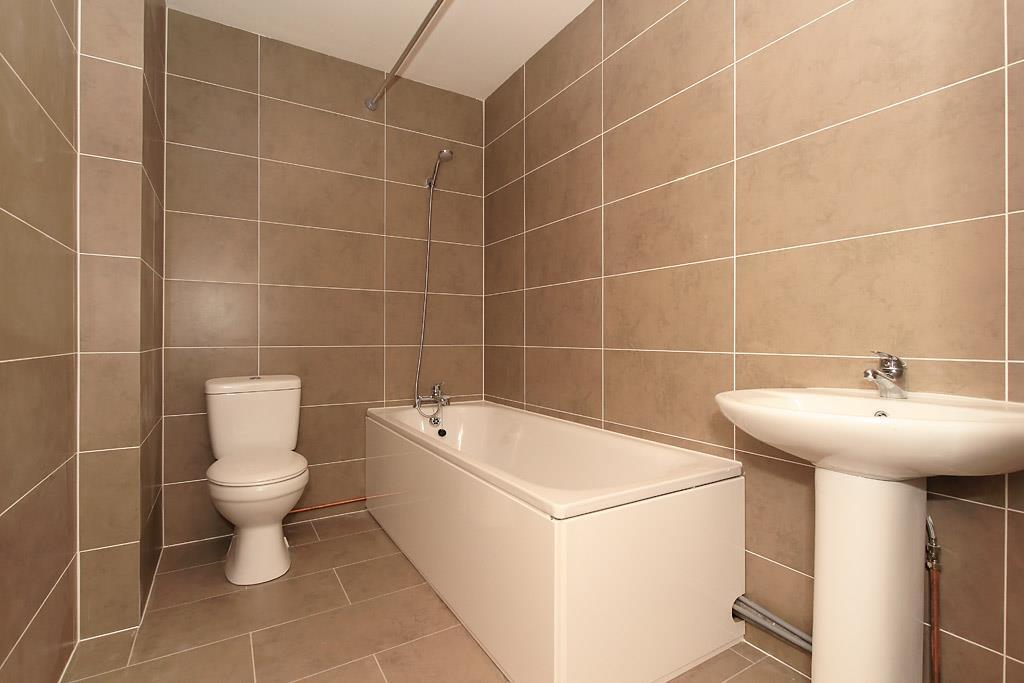 Flat-10-Bath.jpg