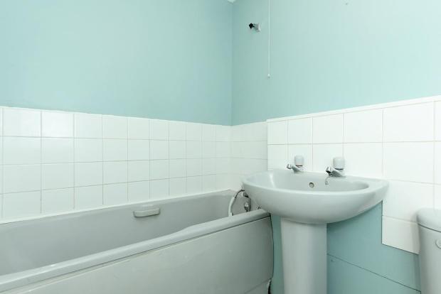 Ayl-Bath.jpg