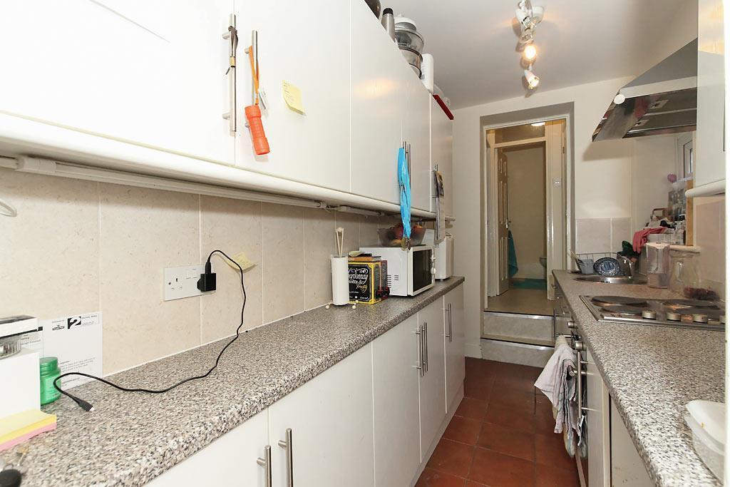18c-Kitchen_1.jpg