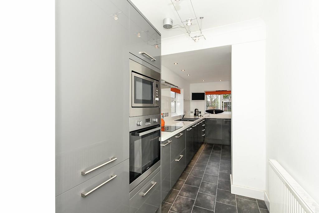 East-Kitchen_1.jpg