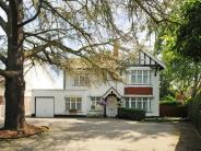 Detached property in Kimbolton Road, Bedford