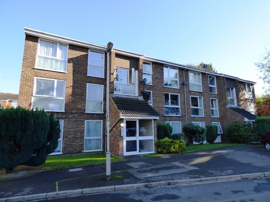 2 bedroom apartment for sale in queens court dunstable lu5 for Two bedroom apartments in queens