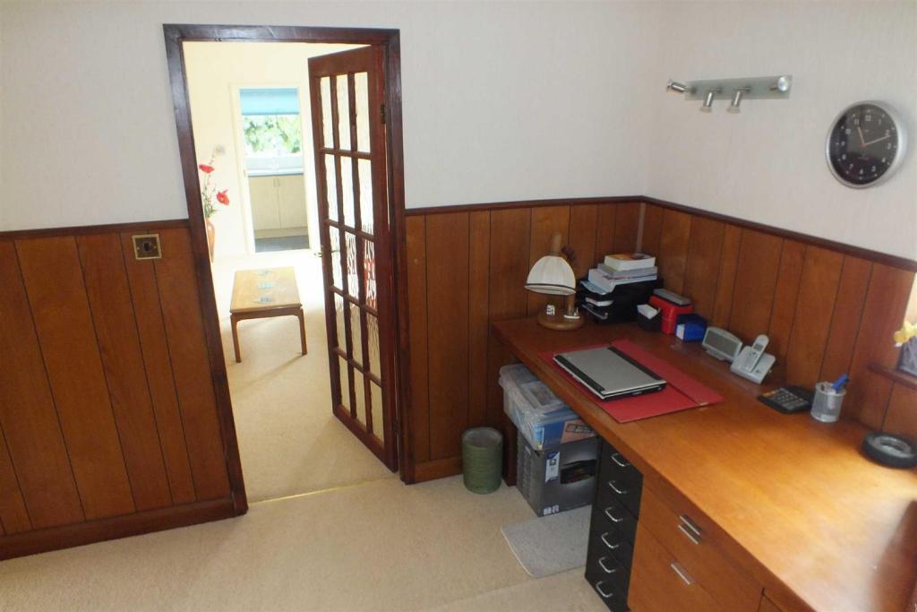 Reception/Study Area