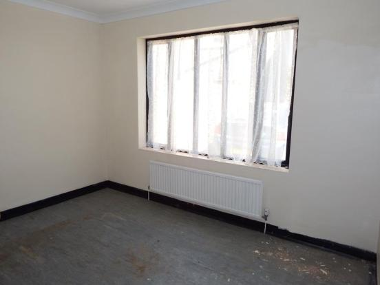 Bungalow Bedroom Lou
