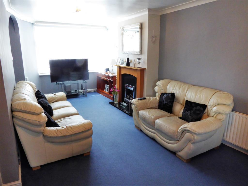 Enlarged Lounge