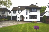 5 bedroom Detached house in The Chenies, Petts Wood...