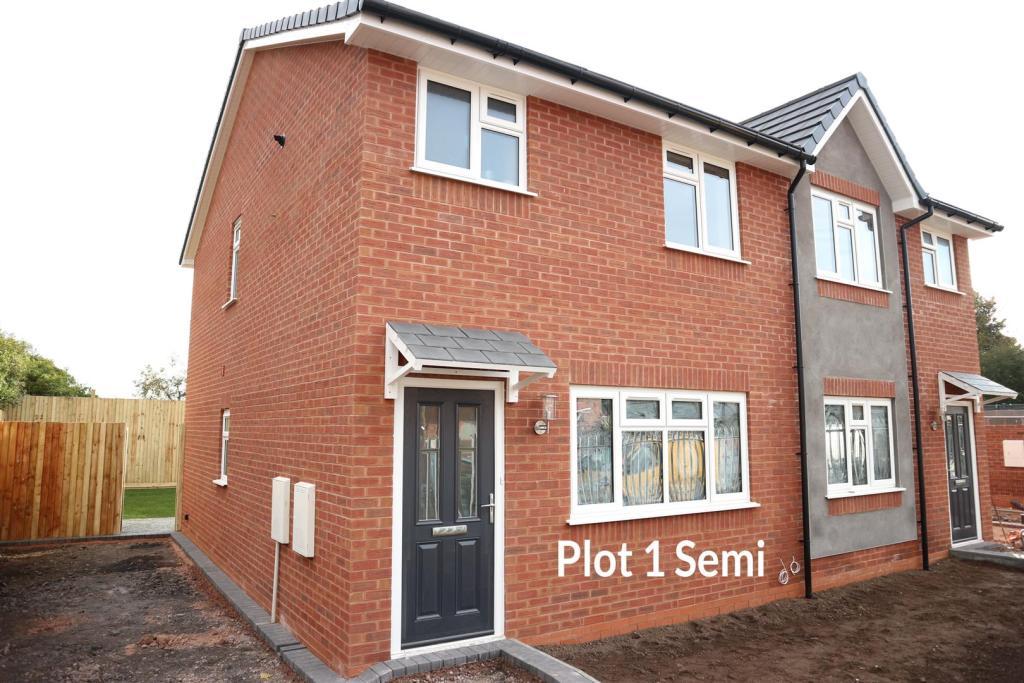 3 bedroom semi detached house for sale in cochrane road