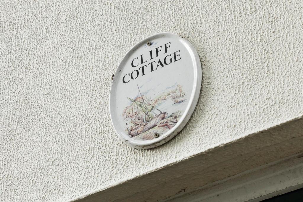 Cliff Cottage, 4 Cot