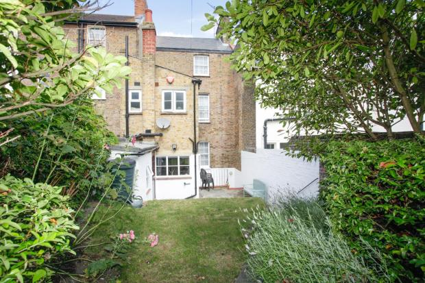 10 West Cliff Road -