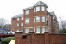 2 bed Flat to rent in Hampton Court, HANDFORTH...
