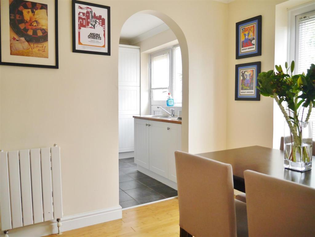 Dining Area Photo 2