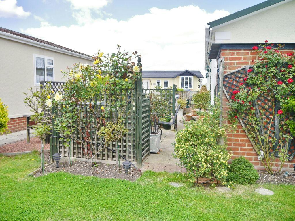 Properties For Sale On Kings Park Canvey Island