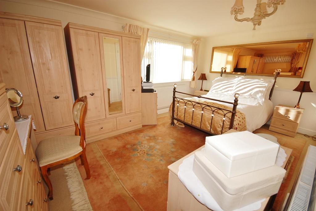 a bed 1.jpg