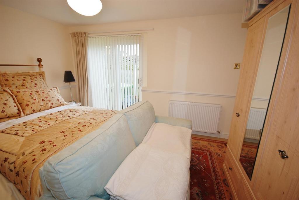 a bed 3 alt.jpg