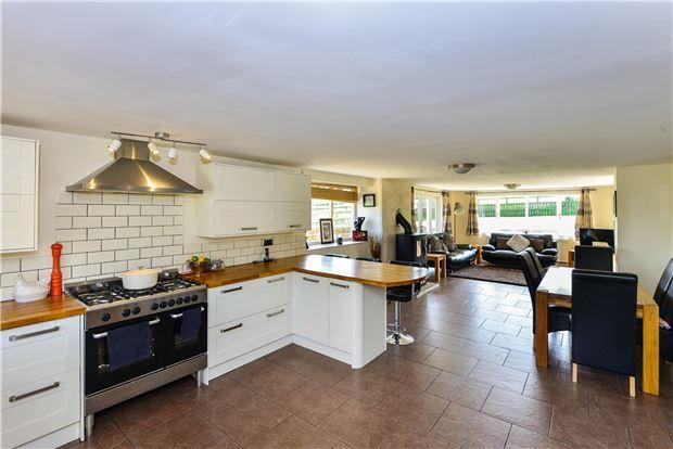 Kitchen/Dinng Room