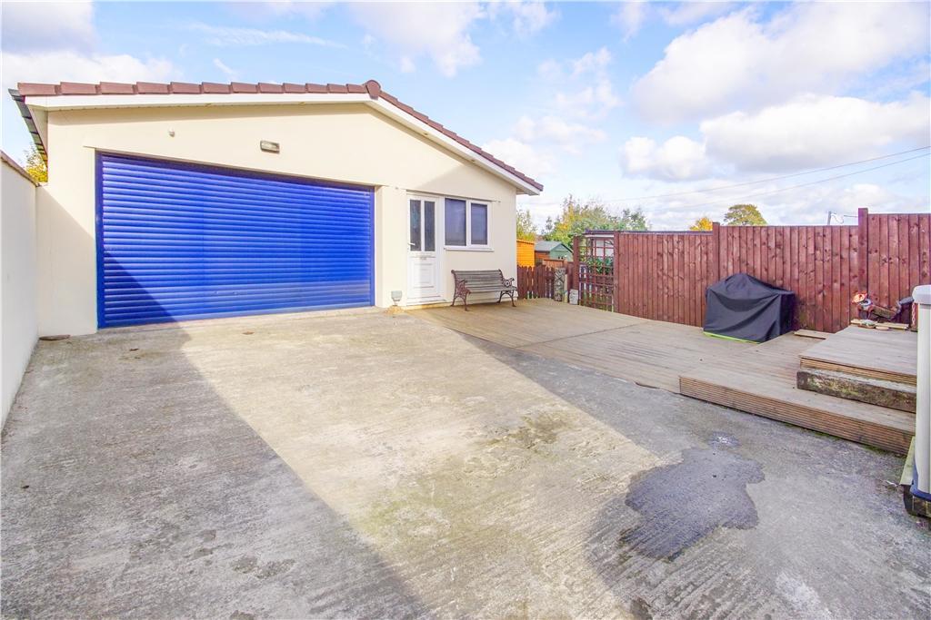 Triple garage/workshop