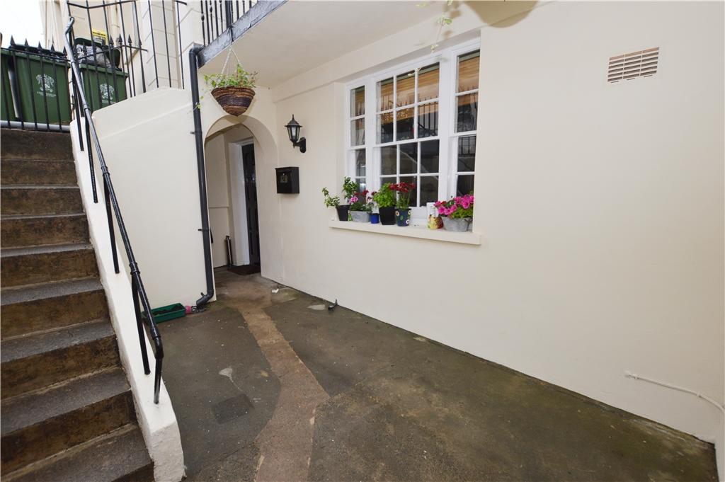 Entrance (Apartment)