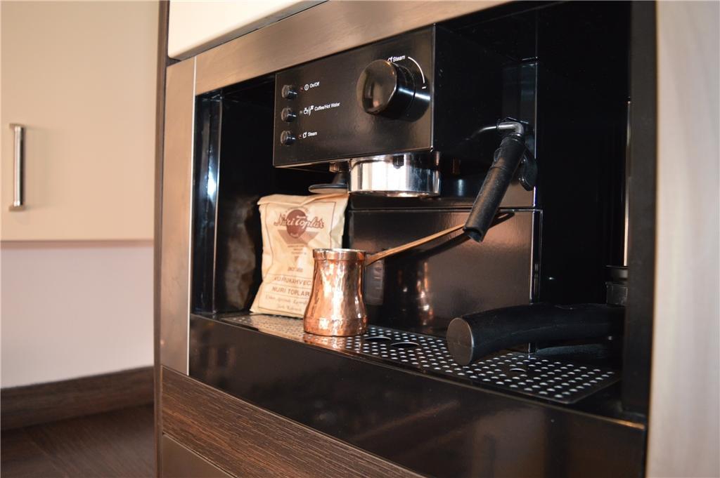 Intergrated coffee machine