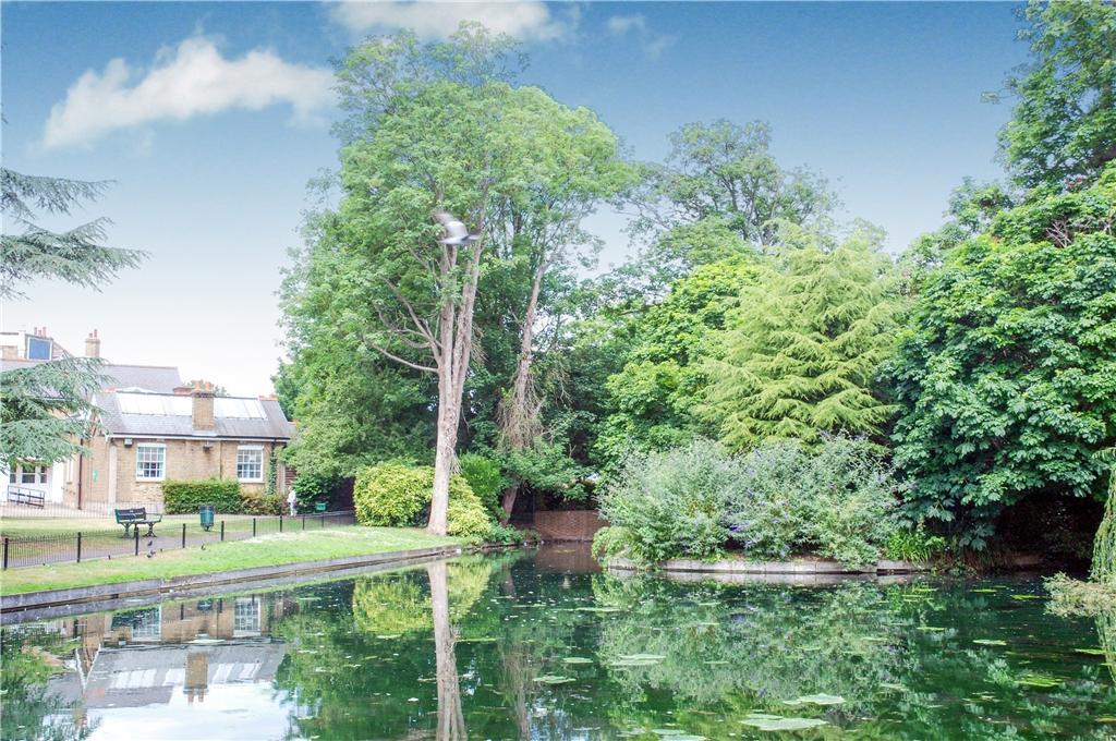 Grove Park & The Ponds 1