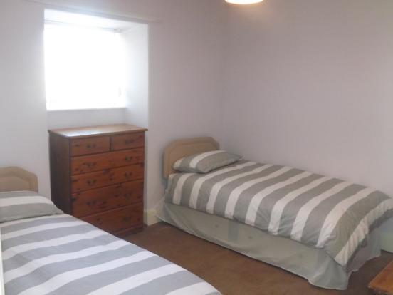 Bedroom 2 - Flat