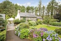 4 bed Detached house for sale in Dolbenmaen, Gwynedd