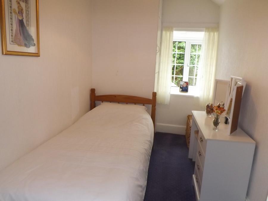 BEDROOM 2*