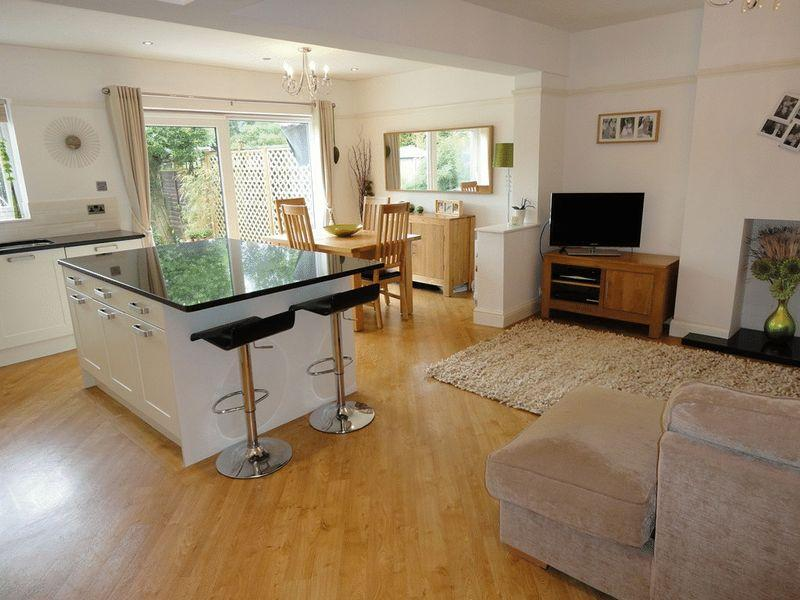 3 bedroom semi detached house for sale in loughborough for Kitchen ideas 3 bed semi