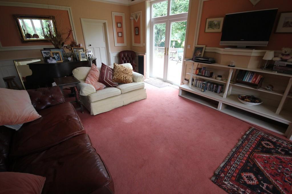 bedroom detached house for sale