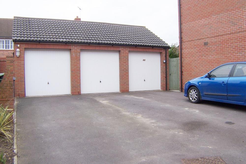 En-bloc garage