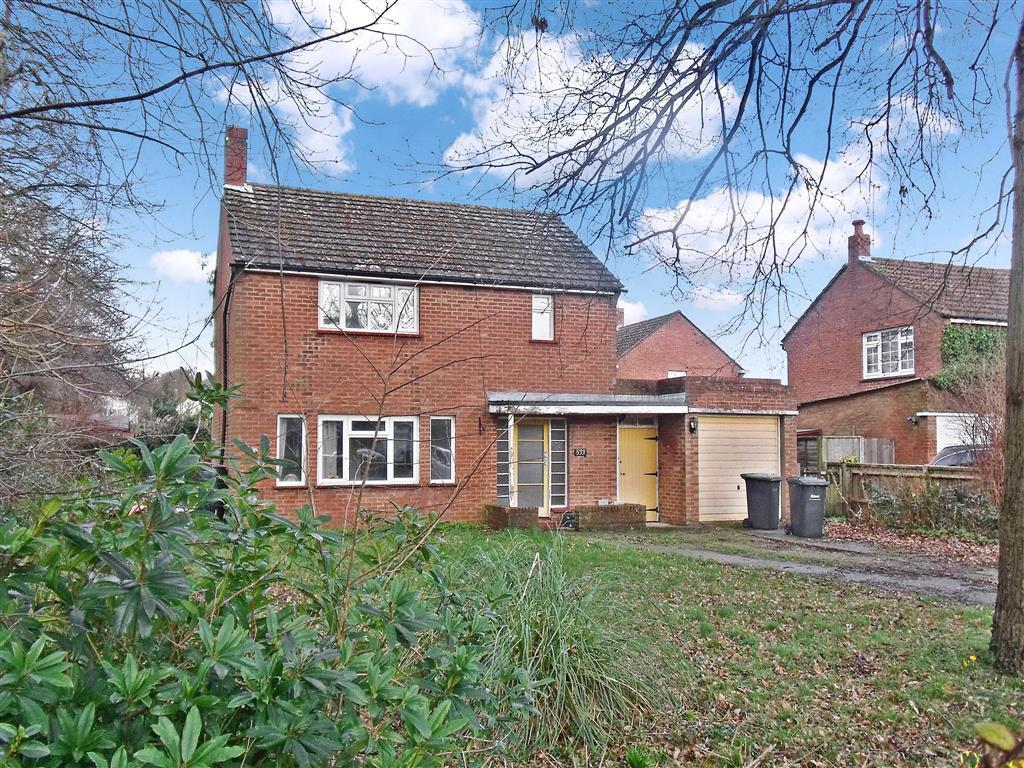 3 bedroom detached house for sale in southleigh road