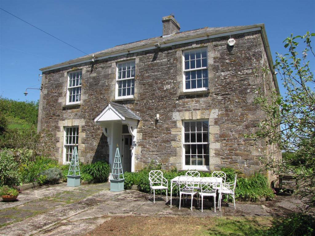 5 Bedroom Farm House For Sale In Gorran Pl26