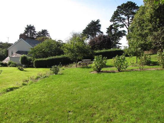 7119 Garden 2.JPG