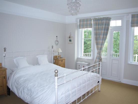 7119 Bedroom 1.JPG