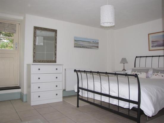 7135 bed 1.JPG