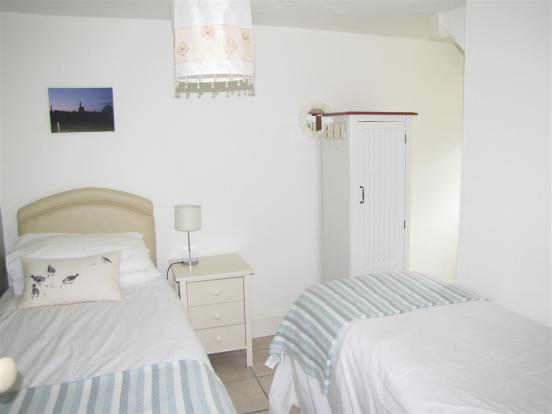 7135 bed 2.JPG