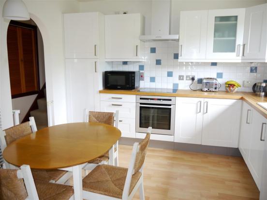 heron kitchen 2.JPG