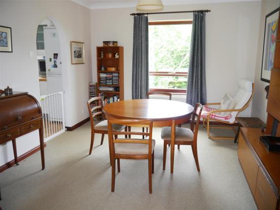 heron dining room 1.JPG