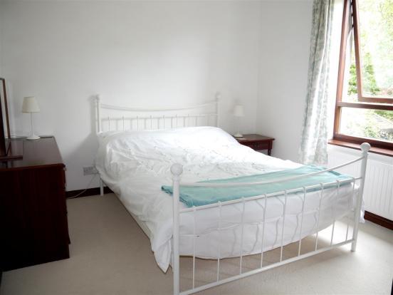 heron bedroom 4.JPG