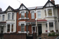 3 bedroom house in Adelaide Road, Ealing