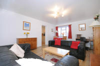 2 bedroom Flat in Ealing