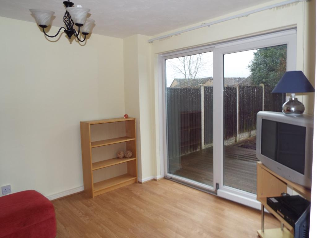 1 bedroom semi detached house for sale in hatton close for Living room nottingham