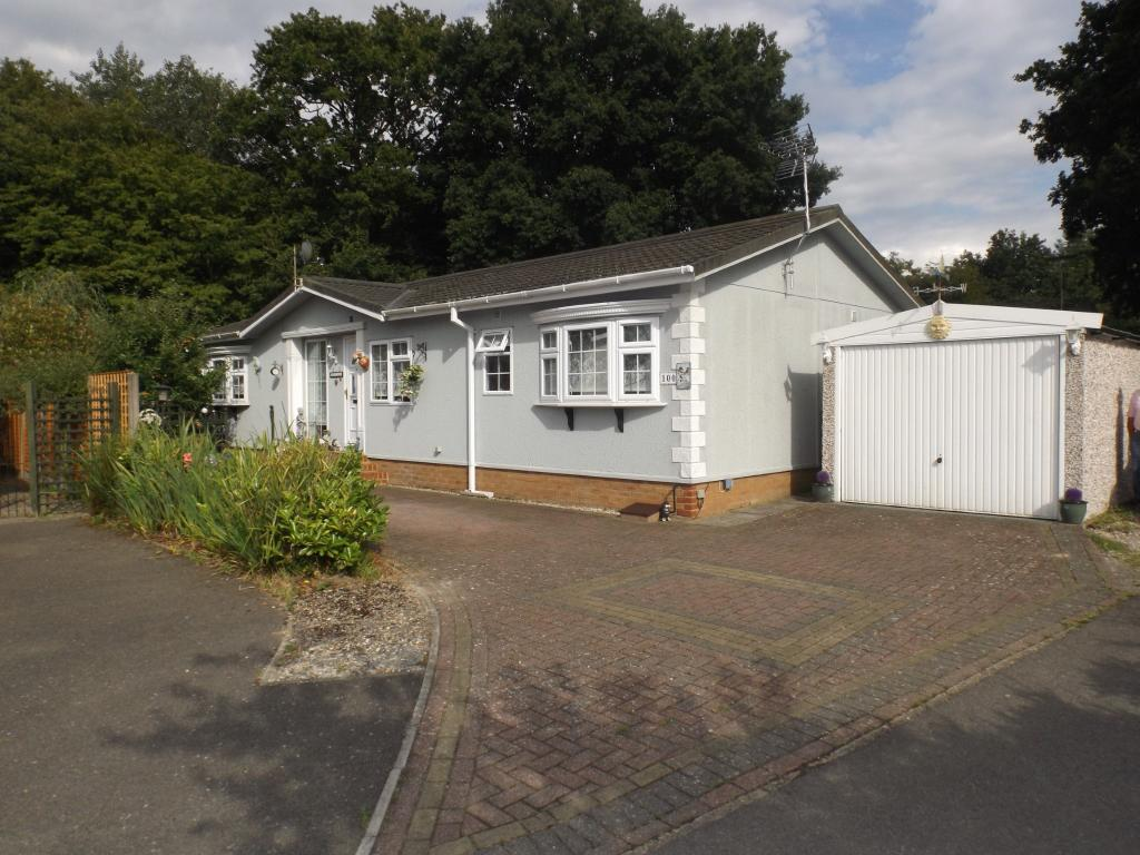 2 Bedroom Mobile Home For Sale In Shirkoak Park Woodchurch Ashford Kent Tn26