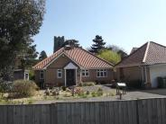 3 bed Bungalow in Lee Gardens, Worlingham...