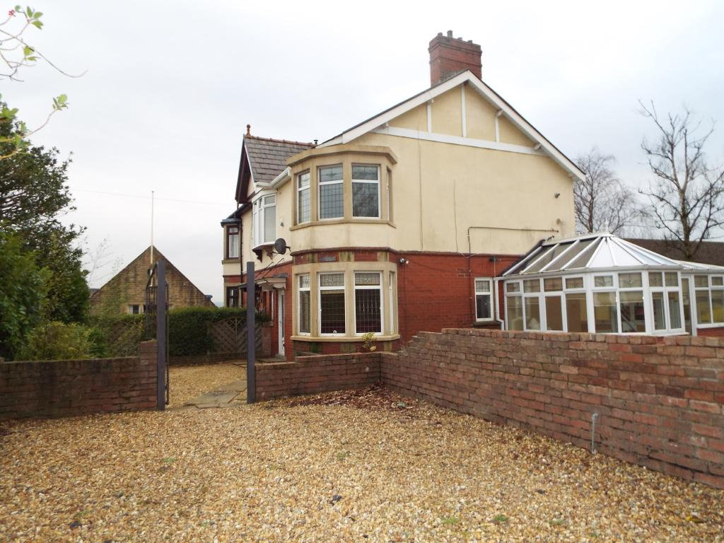 3 bedroom houses to buy in reading 3 bedroom semi detached house for sale in straits lane