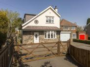 3 bed Detached property in Meadow Lane, Coalville...